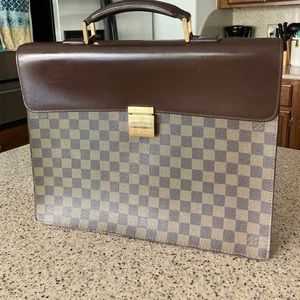 Authentic Louis Vuitton Altona briefcase
